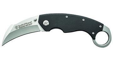 karambit or hawkbill knife